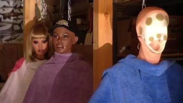 成人娃娃保养师...这工作的心理阴影一定很大...